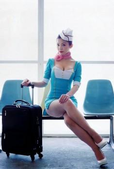 Сексапильная красотка в униформе