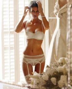 Невеста в нижнем белье