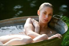 Красотка в жестянной ванне