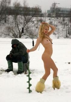 Аппетитная бабца на зимней рыбалке