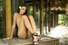 Aleksa Slusarchi в раю без одежды