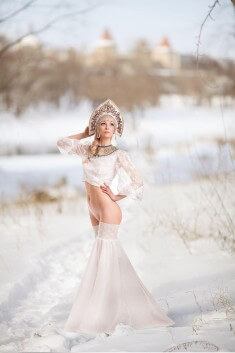 Снегурка без трусиков