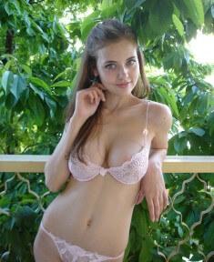 Симпатичная Aylin Mamedova