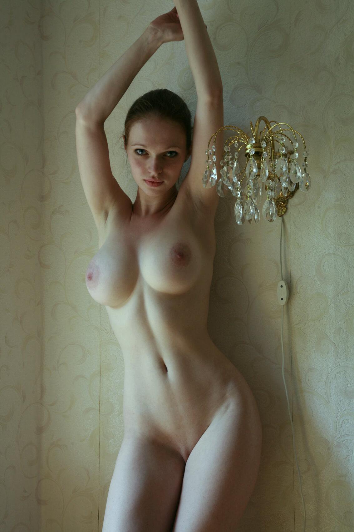 Вконтакте голые девушки фото