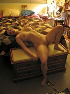 Домашние эротические игры на кровати