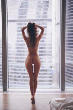 Эротика у окна