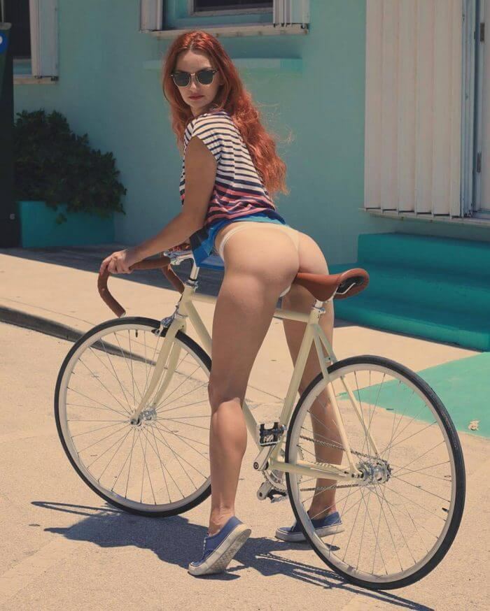 Эротика на белом велосипеде