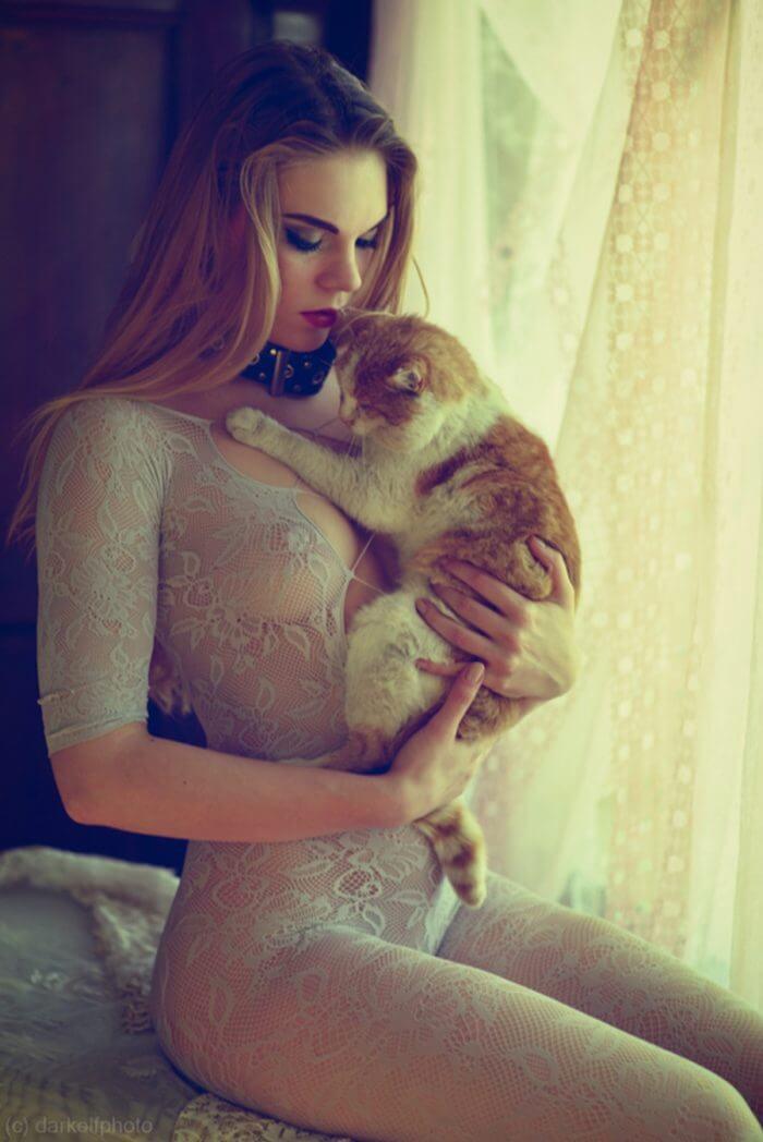 Красотка с котом