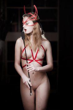 Сексуальная дьяволица