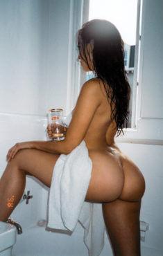 Домашнее фото в ванной