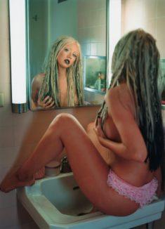 Голенькая Christina Aguilera