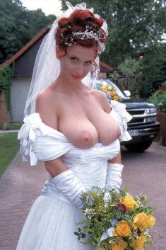 Невеста с голой грудью