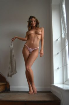Сексуальная Nikkala Stott
