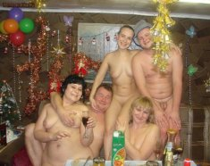У нудистов праздник