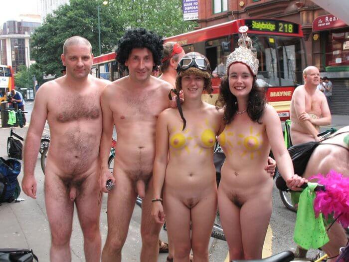 Нудисты в городе и другие голые девушки