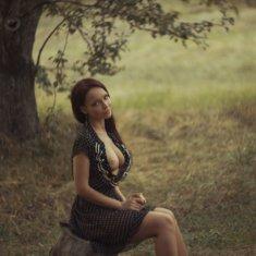 Ангелина Петрова с голой грудью