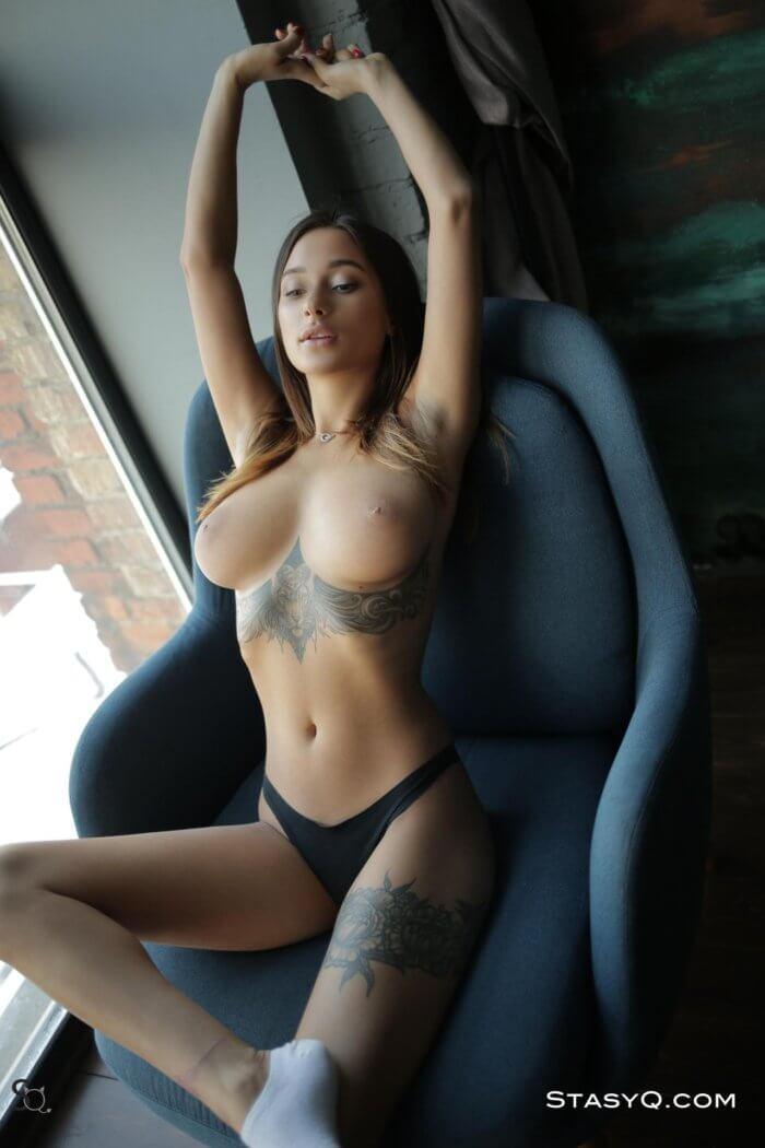 Очаровательная Лия Сильвер
