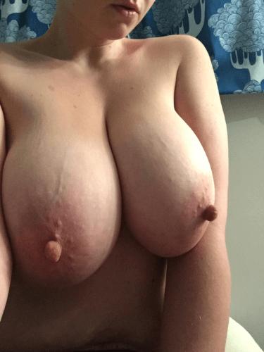 Большие настоящие сиськи и другие голые девушки