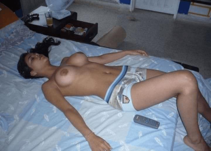 Супер упругие сиськи и другие голые девушки