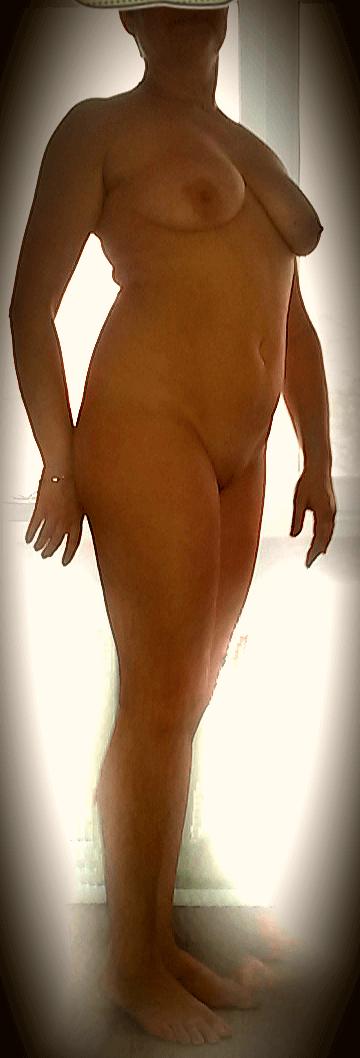 Оголилась и другие голые девушки